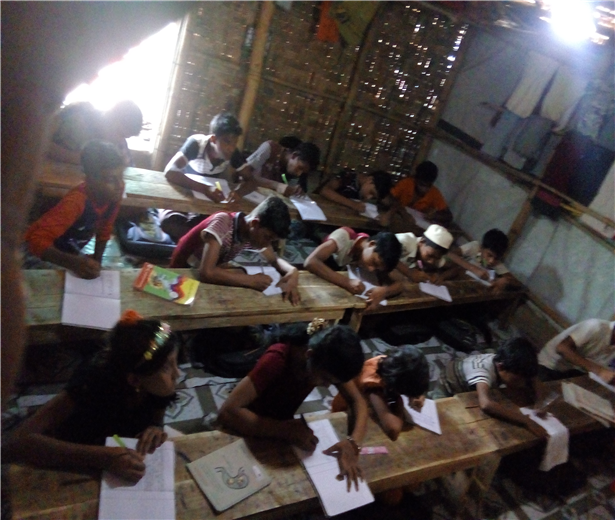 공부하는 아이들.png