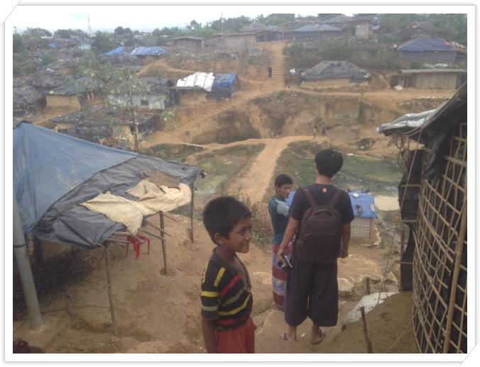 _4.쿠투팔롱 캠프 히스모따라의 집으로 가는길.JPG