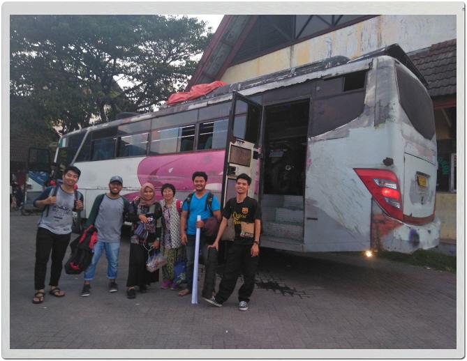 _마카사르에서 팔루로 가는 버스.jpg