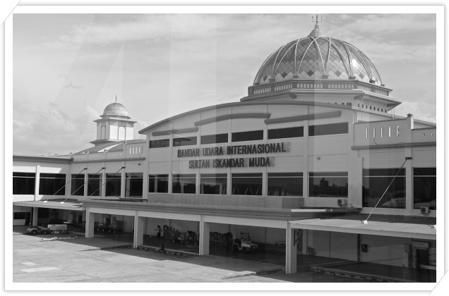꾸미기_102. Sultan Iskandar Muda International Airport.jpg