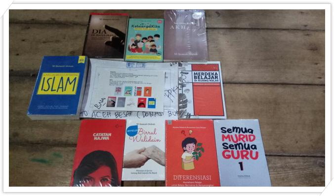 _보내져온 책들.JPEG