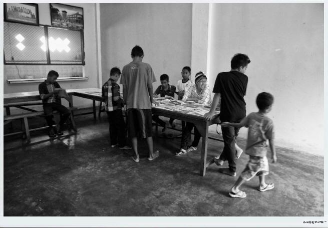 꾸미기_Aceh-20150329-빤띠아수안이동도서관.jpg