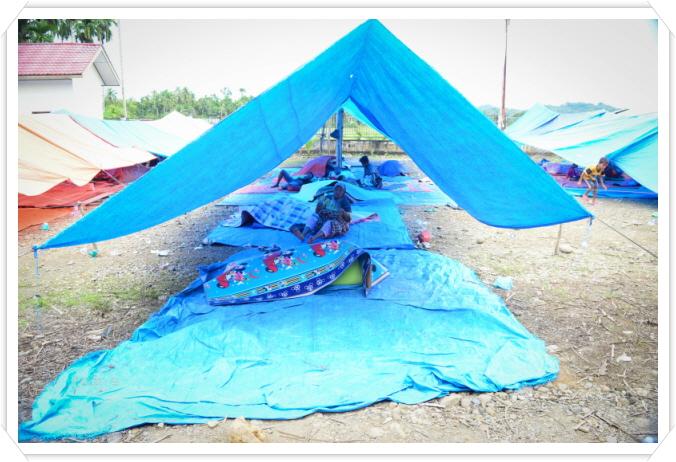 꾸미기_salah satu lokasi pengungsi di desa Cubo kecamatan Bandar Dua Pidie Jaya.jpg