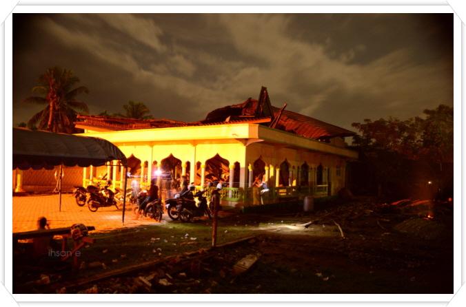꾸미기_mesjid rusak akibat gempa berkekuatan 6,5 SR yang menguncang Pidie Jaya pada tanggal 7 Desember 2016.jpg
