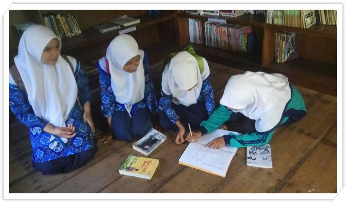 _3R 도서관을 이용하는 학생들.jpg