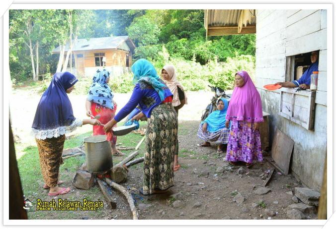 _마을 주민들의 식사준비.jpg