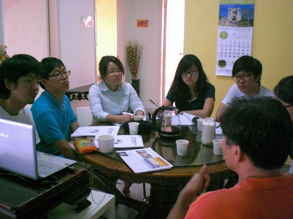 4.Korean volunteer group orientation.jpg