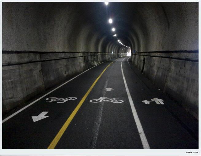 11 4개소의 터널을 지납니다.jpg